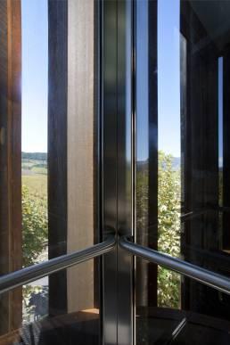 ascensor-bodegas-otazu-iz4-1
